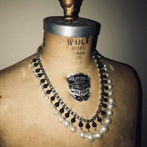 New Charming Charlie Pearl Silver & Black Necklace